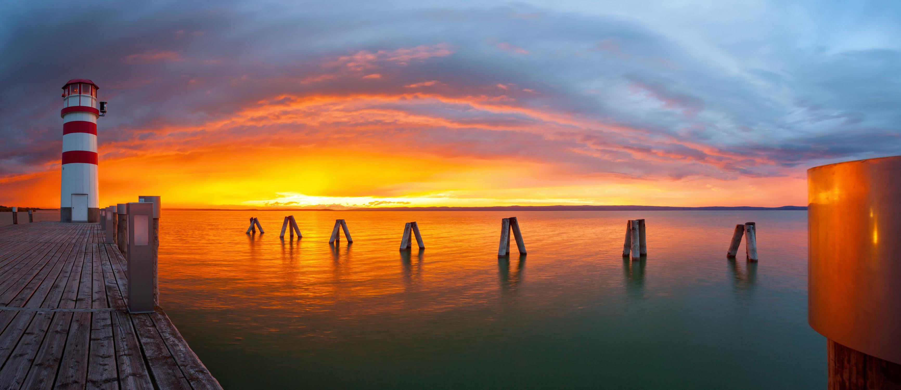 Bild mit Natur, Wasser, Gewässer, Wellen, Sonnenuntergang, Sonnenaufgang, Steg, Am Meer, Leuchtturm, ozean