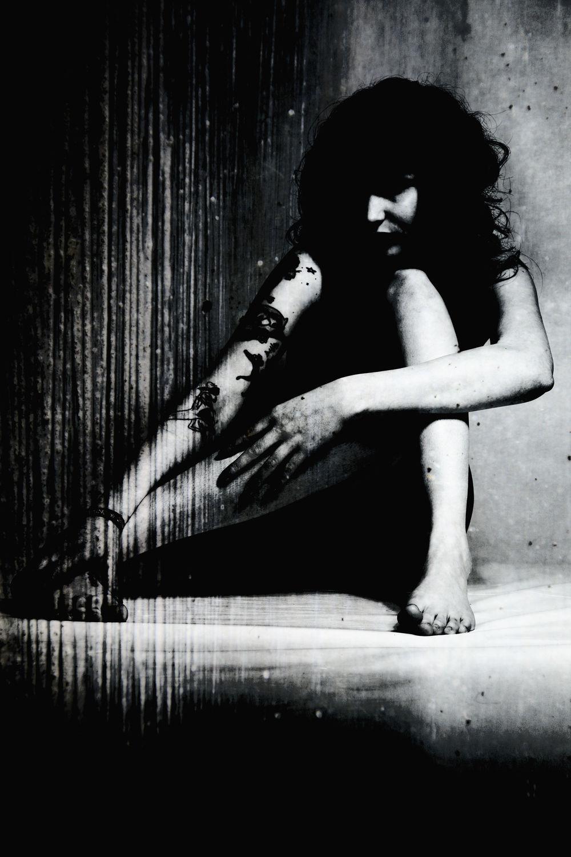Bild mit Fotokunst Art FF77, Fetisch, Erotik, Portrait, Studio, Frau, Aktmodel, Aktfoto, Aktfotografie, erotisch, Frauen, nackt, Sexy, Brust, Erotic, Akt & Erotik, girl