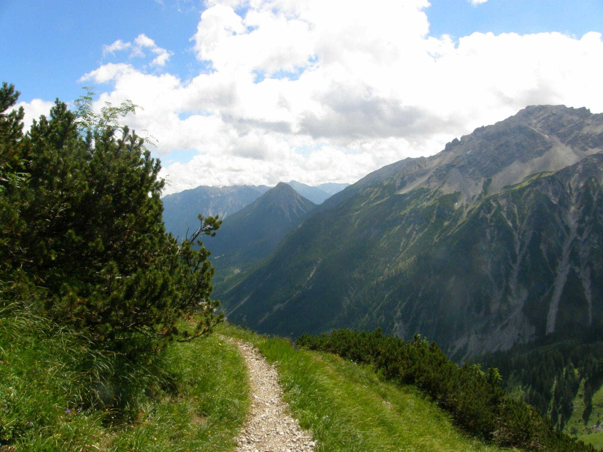 Bild mit Landschaften, Berge, Wege, Österreich, Weg, Landschaft, Allgäu, berg, Gebirge, Land