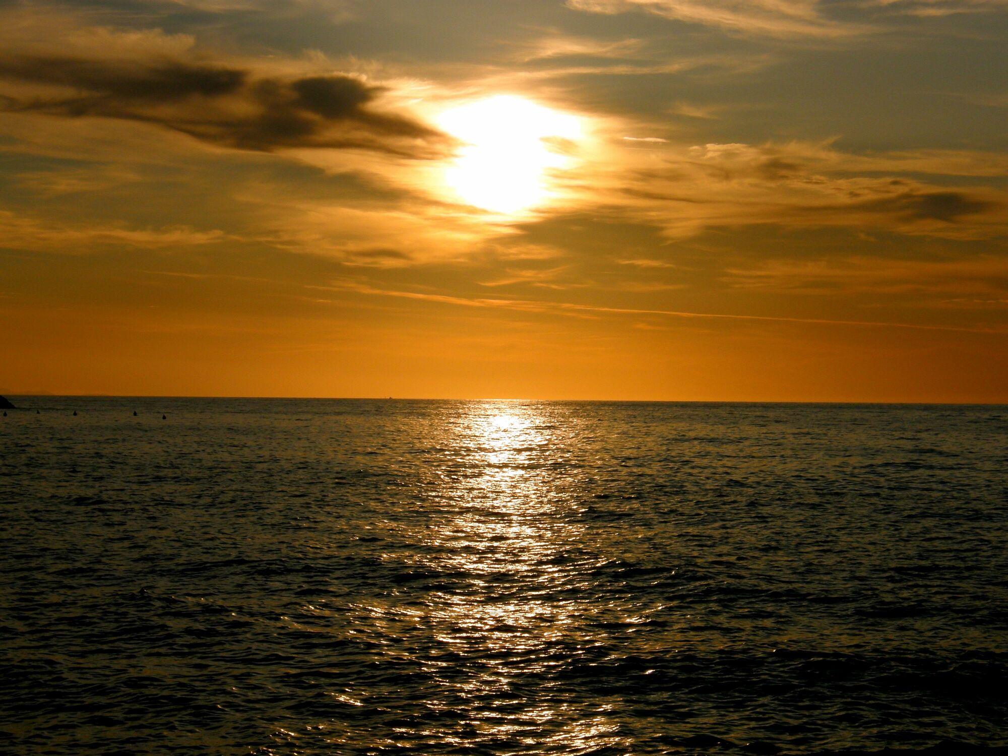 Bild mit Wasser, Gewässer, Strände, Sonnenuntergang, Sonnenaufgang, Strand, Sandstrand, Meerblick, Meer, Sunset