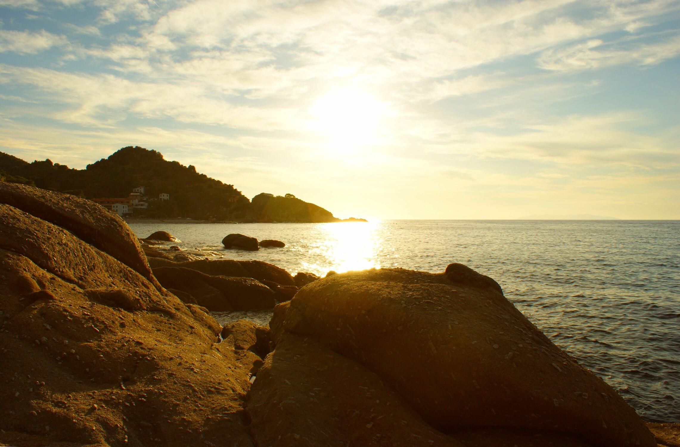 Bild mit Wasser, Gewässer, Sonnenuntergang, Urlaub, Italien, Sommer, Sonnenaufgang, Meer, Sunset, Insel