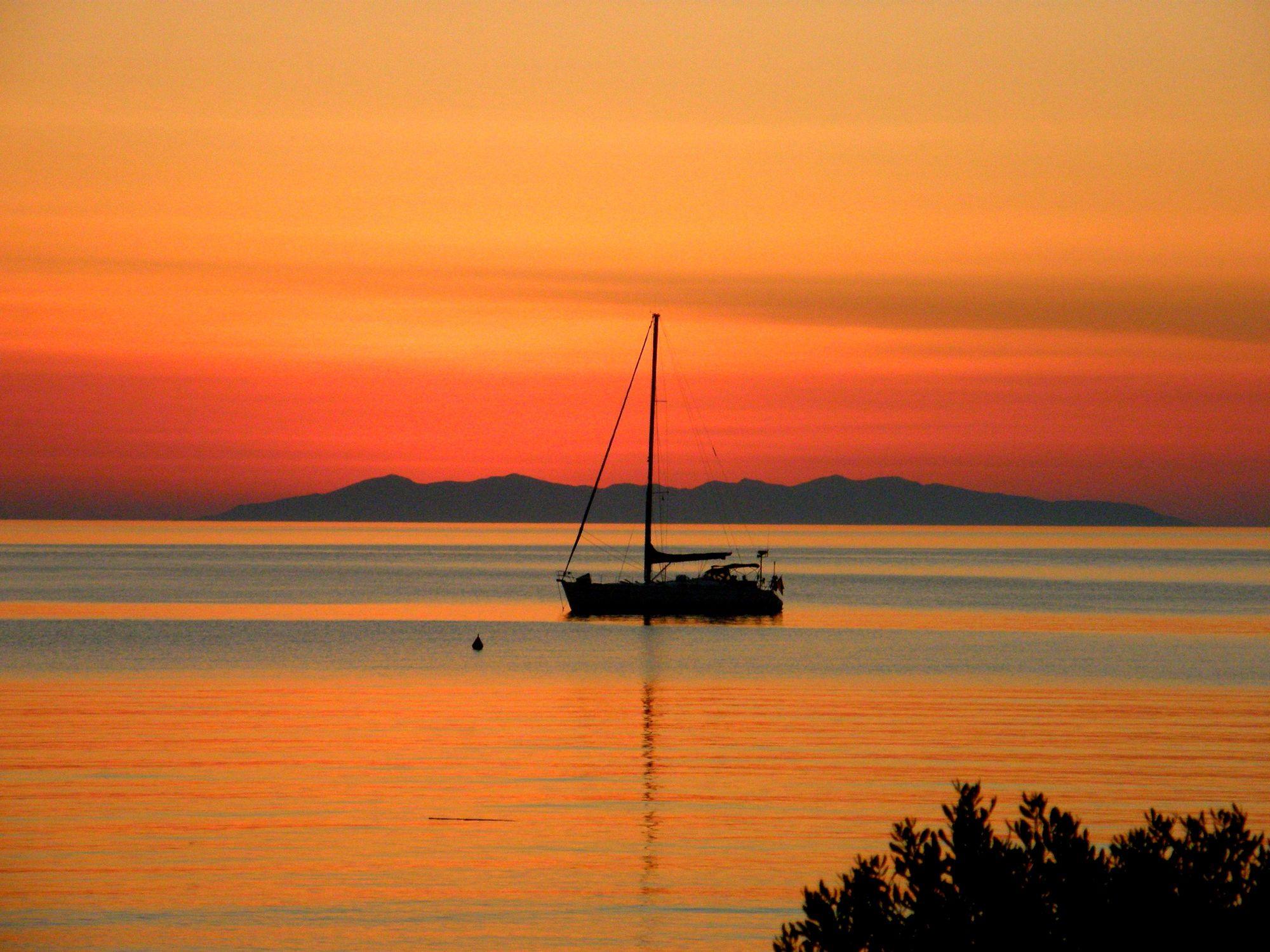 Bild mit Sonnenuntergang, Segelboote, Sonnenaufgang, Segelboot, boot, Boote
