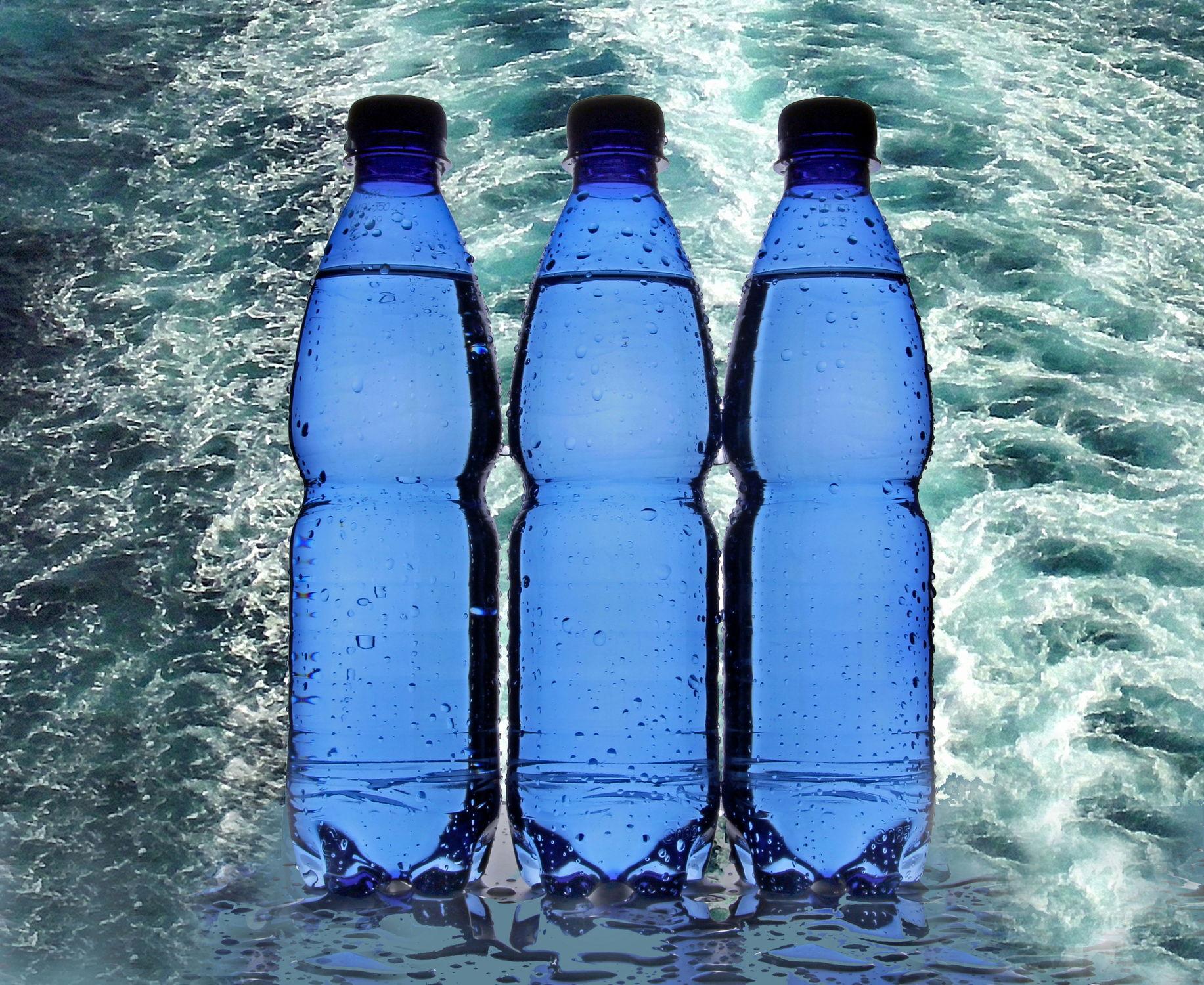 Bild mit Wasser, Gewässer, Trinken, Meer, See, Wassertropfen, frisch, Getränk, Fluss, wasserflasche, wasserflaschen, frische