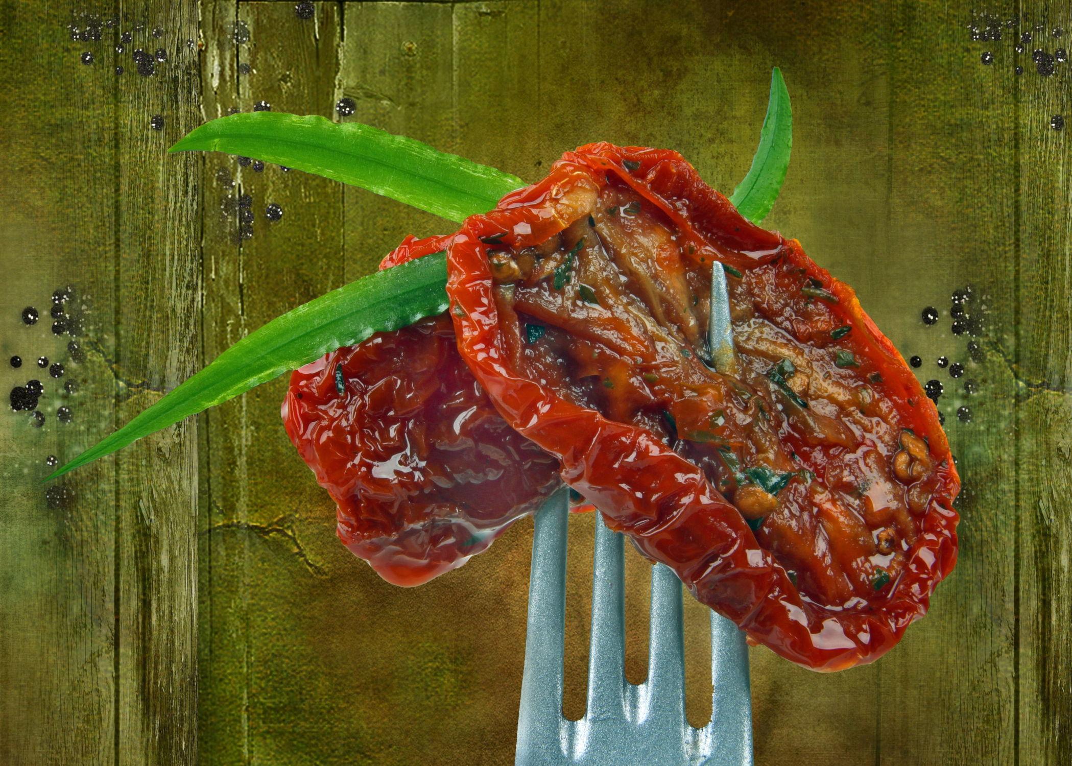 Bild mit Kräuter, Tomate, Tomaten, Gemüse, Nahrung, Stilleben, Textur, Ernährung, Küche, pesto