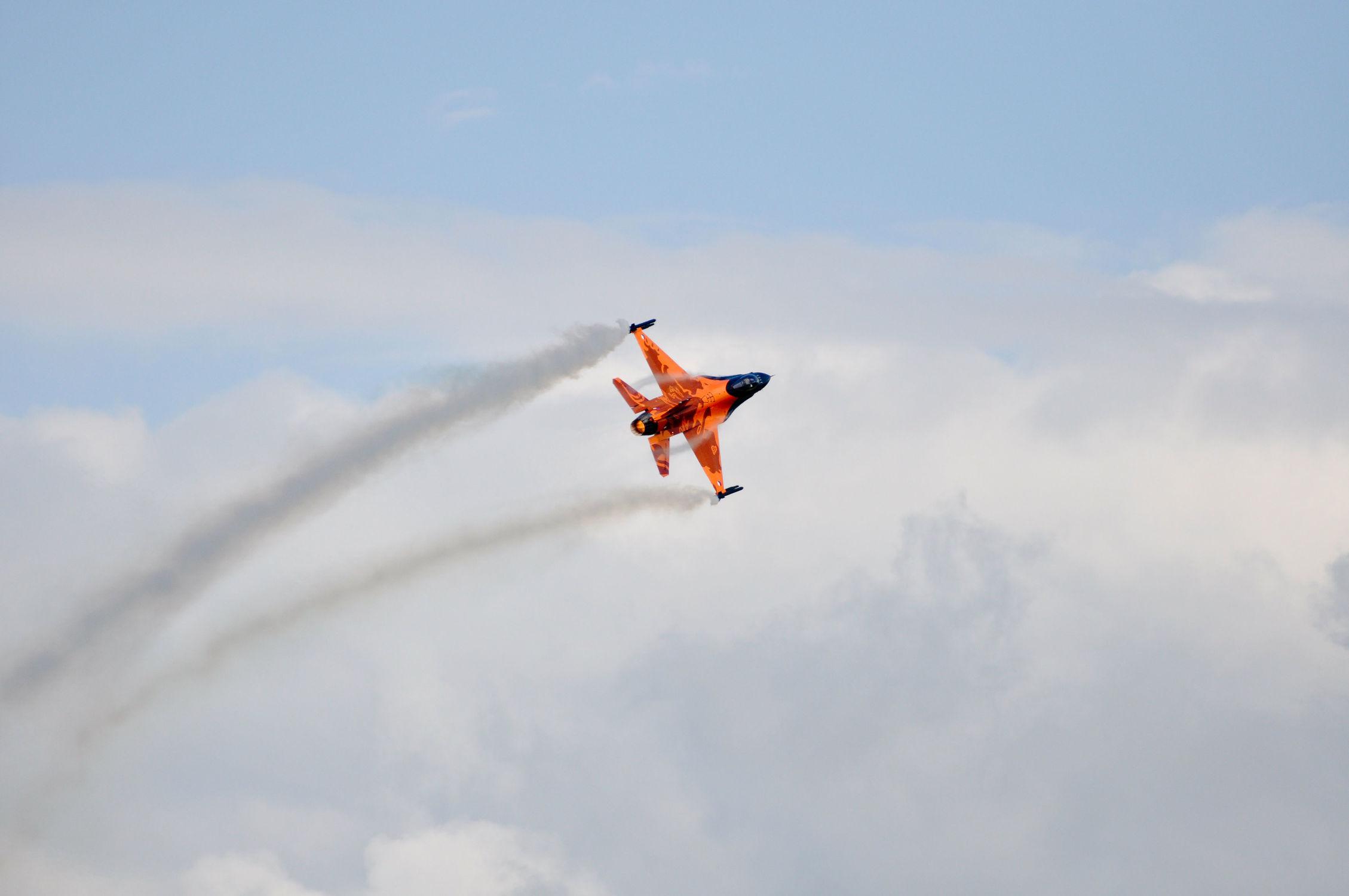 Bild mit Himmel, Wolkenhimmel, Wolkengebilde, Flugzeuge, Flugzeug, Jet, Jets, Flug