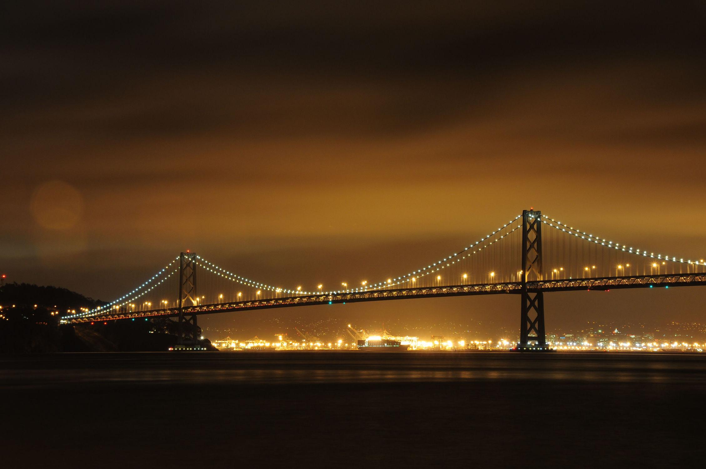 Bild mit Landschaften, Brücken, Landschaft, Brücke, landscape, Nachtaufnahmen, Nacht, Nachtaufnahme, san fransisco, baybridge