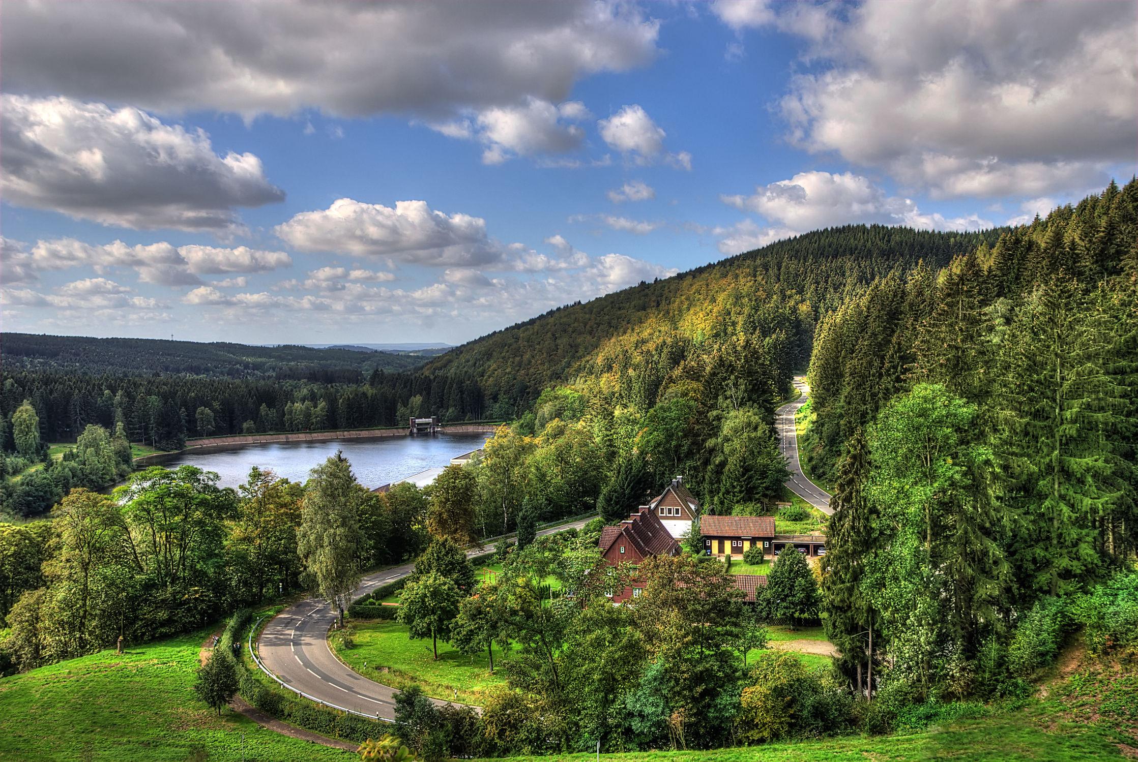 Bild mit Landschaften, Bäume, Wälder, Wege, Sonne, Wald, Baum, Weg, Landschaft, Wiese, Feld, Felder, Harz, Wiesen, Weide, Weiden, abenteuer, tal