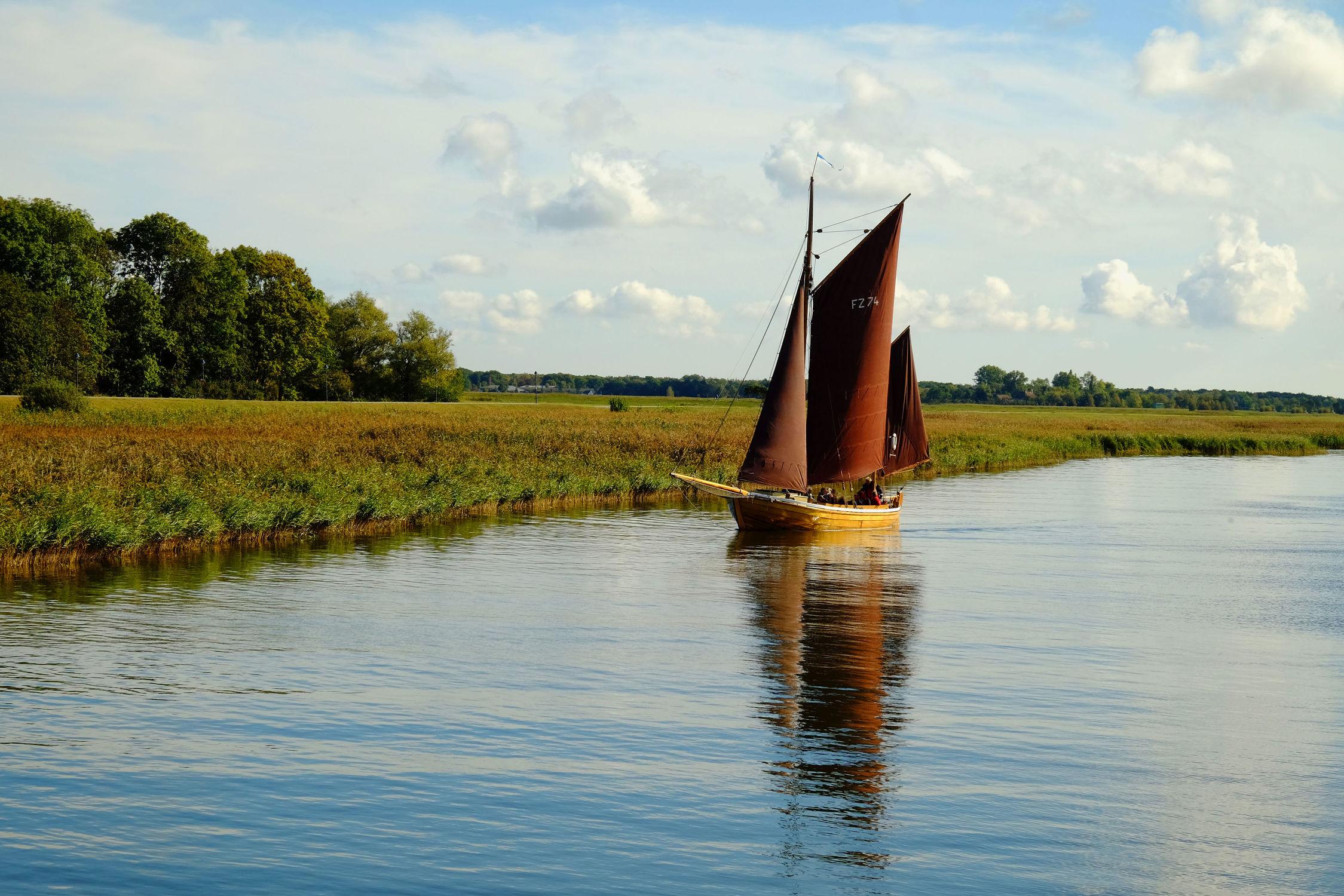 Bild mit Segelboote, Meerblick, Segelboot, boot, boot, Meer, Meer, Boote, Boote, Segel