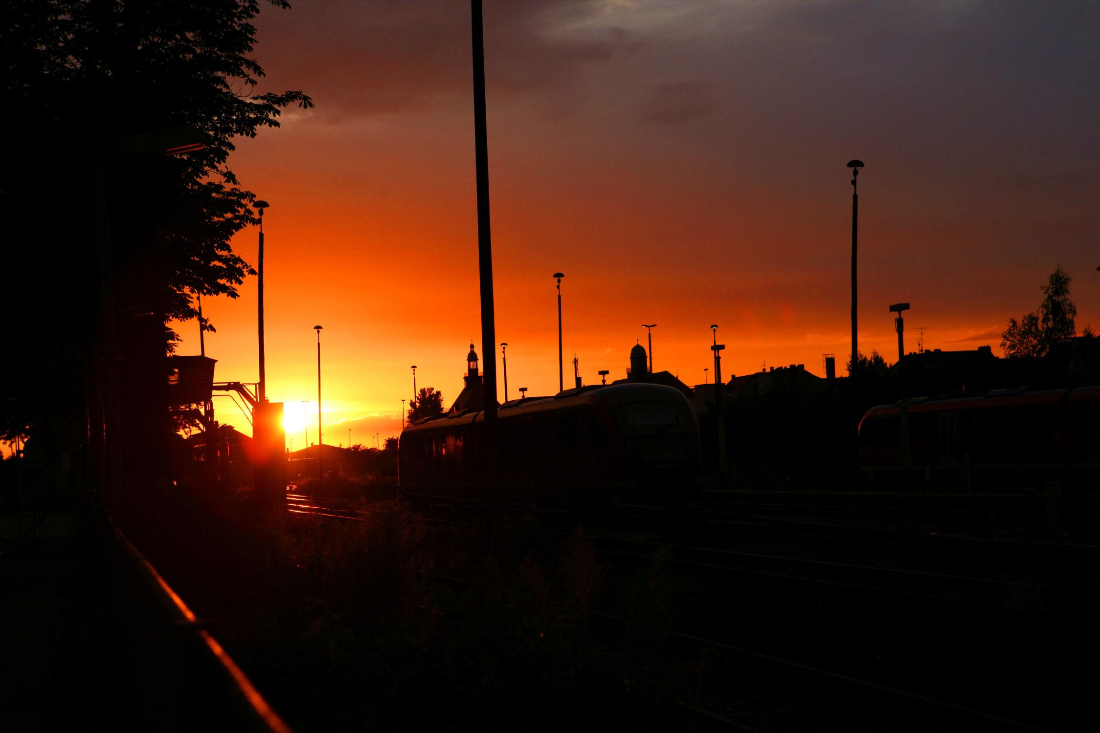 Bild mit Natur, Sonnenuntergang, Sonnenaufgang, Sonne, Sonnenschein, sun, sunshine