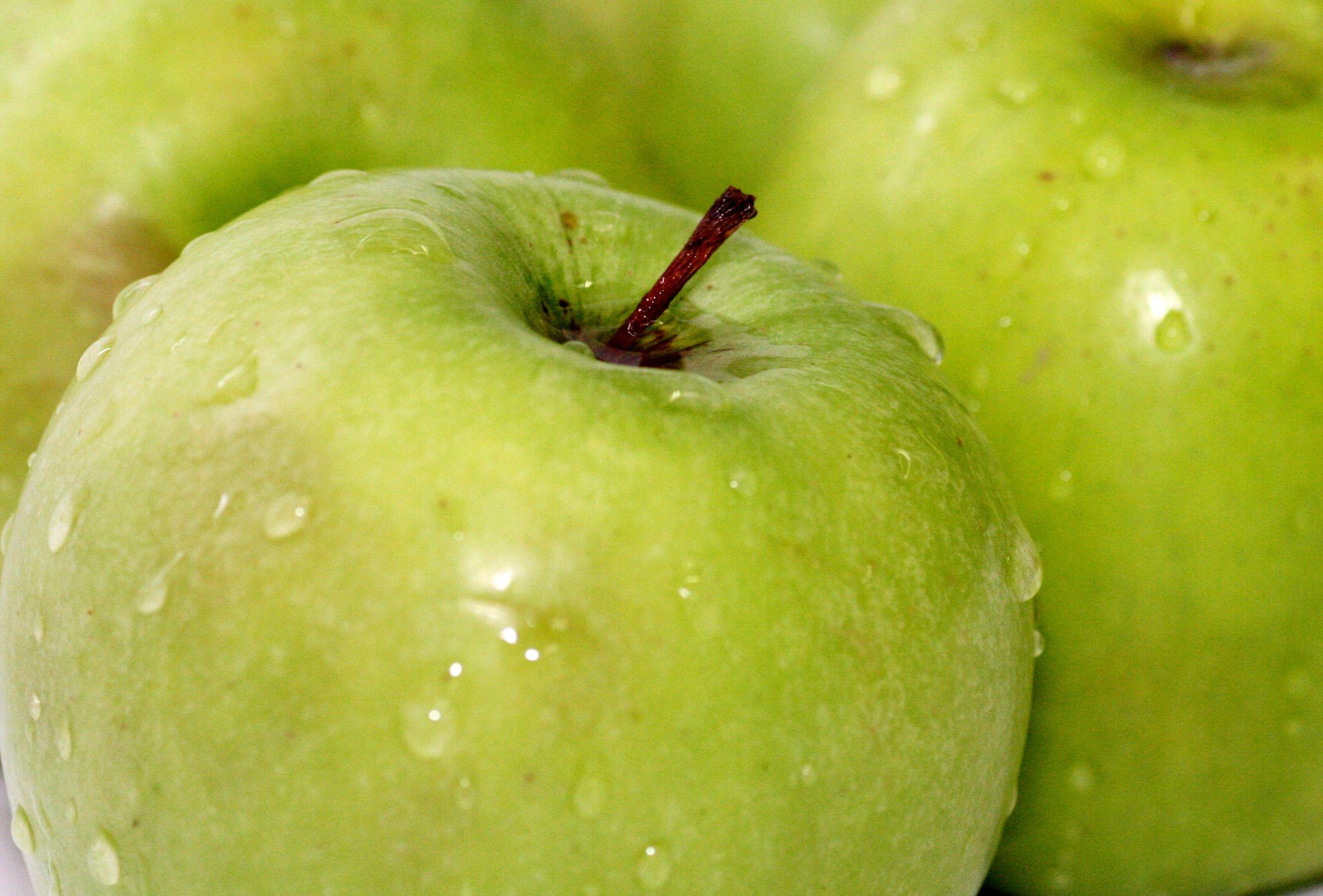 Bild mit Früchte, Lebensmittel, Essen, Frucht, grüner Apfel, grüne Äpfel, Obst, Küchenbild, Apfel, Apfel, KITCHEN