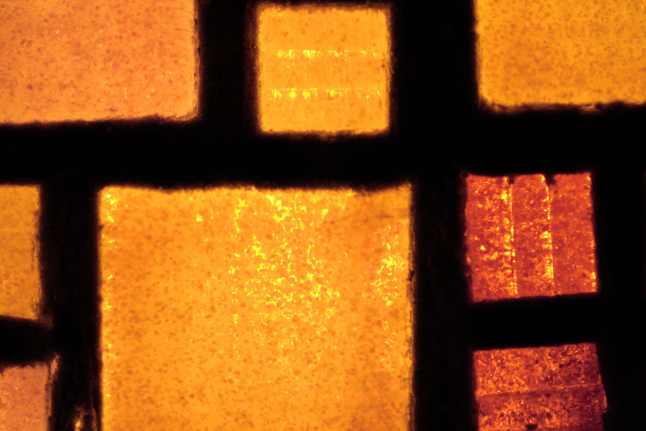 Bild mit Farben, Orange, Gelb, Architektur, Bauwerke, Gebäudeteile, Fenster, Schmuck, Bernsteine