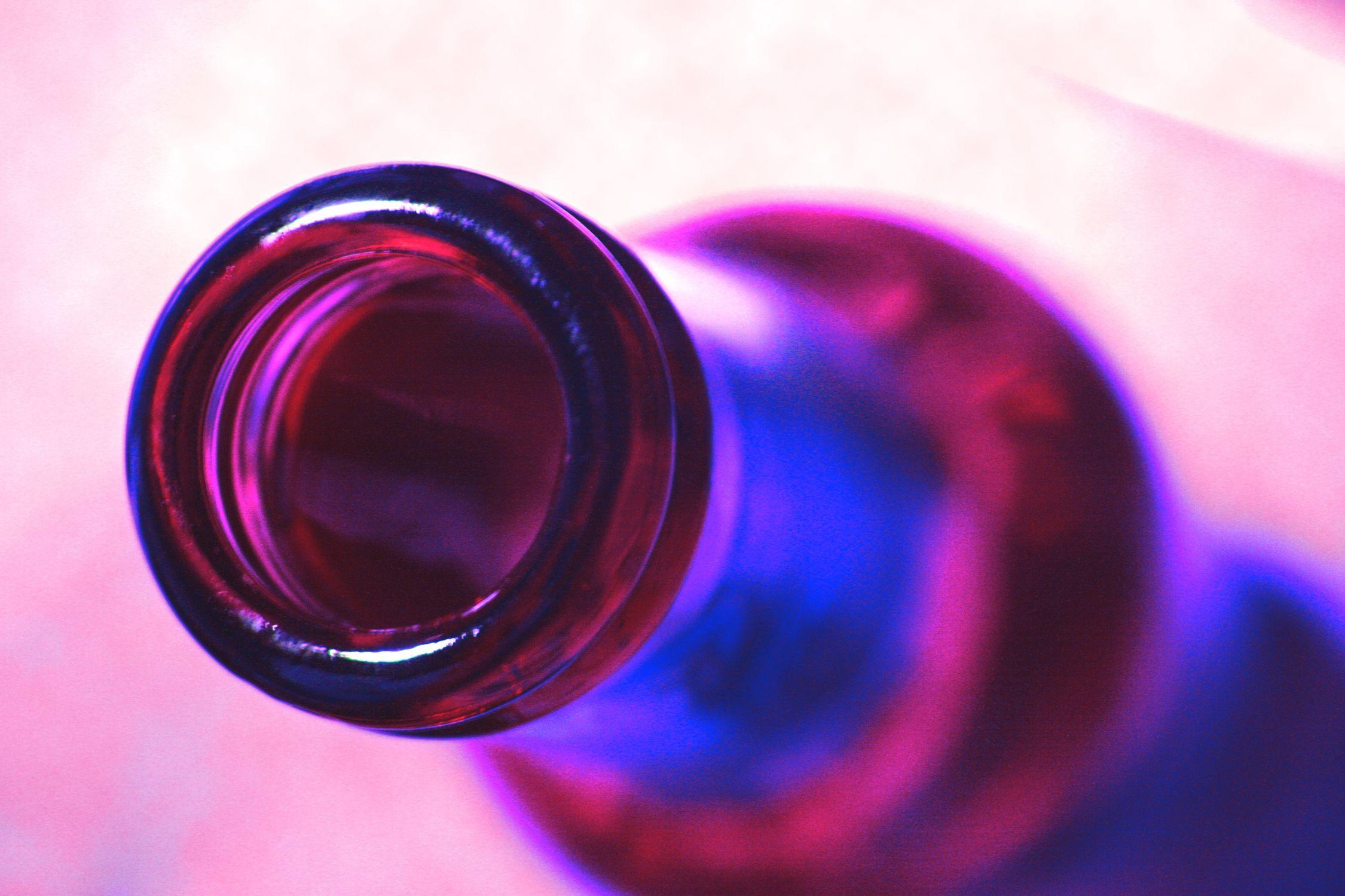Bild mit Farben, Natur, Elemente, Wasser, Rosa, Lila, Violett, Blau, Magenta, Küchenbild, Flasche, Bottle, Küchenbilder, Küche