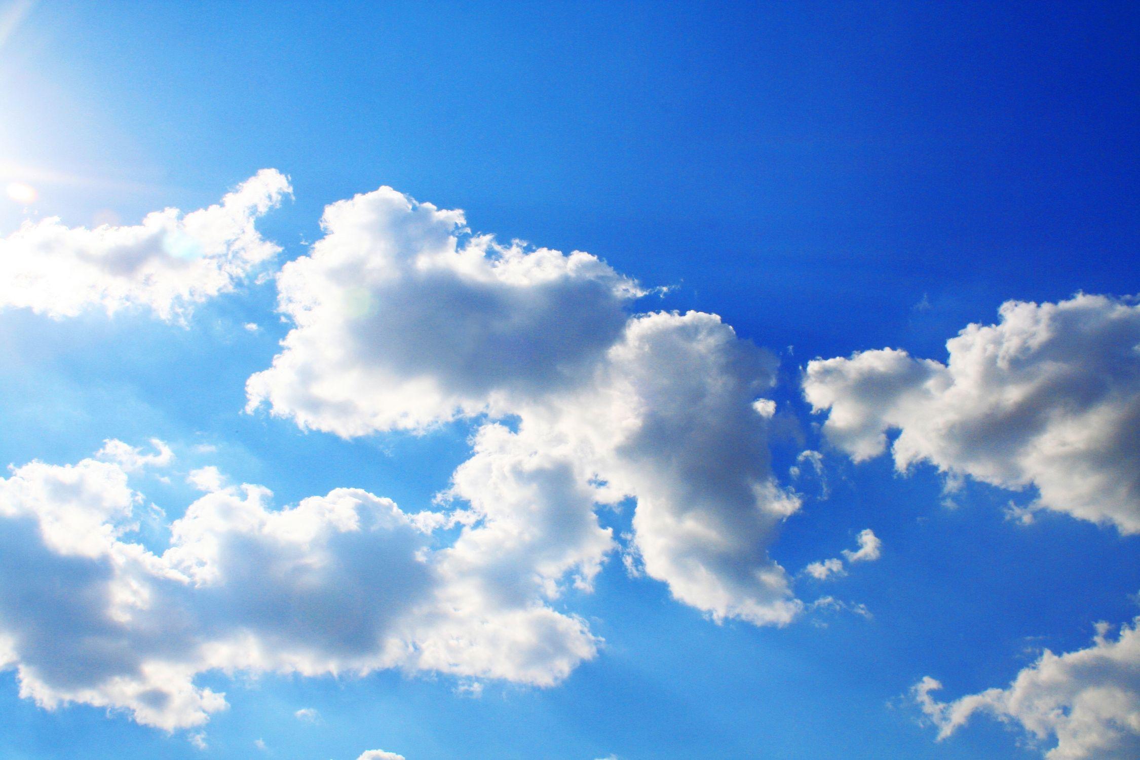 Bild mit Farben, Natur, Himmel, Jahreszeiten, Wolken, Tageslicht, Blau, Azurblau, Sommer, Sonne