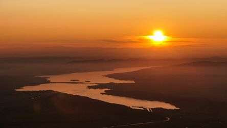 Bild mit Berge, Sonnenuntergang, See