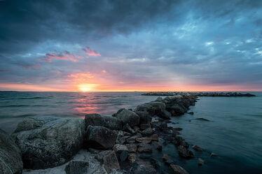 Bild mit Himmel, Strand, Ostsee, Meer, Steine, Nordsee, Norddeutschland, Sonnenuntergang/Sonnenaufgang, Buhne, stimmungsvoll