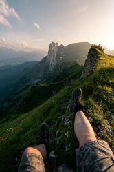 Bild mit Berge, Sonnenuntergang, Schuhe, Alpen, Landschaft, Wandern, Schweiz, Freiheit, ausblick