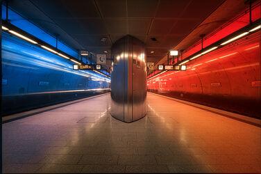 Bild mit Rot, Architektur, Blau, Berlin, Stadt, Bunt, Bahn, U Bahn, NRW