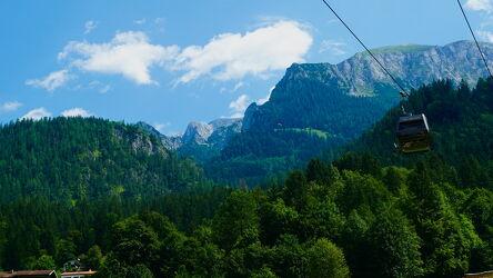 Bild mit Berge und Hügel, Berge, Urlaubsbild, in den Bergen, gondel
