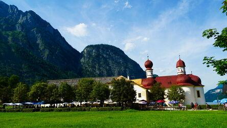 Bild mit Berge und Hügel, Berge, Kirchen, Kirche, königssee