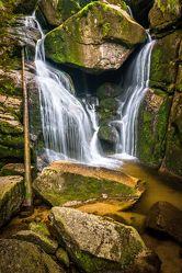Bild mit Natur, Gewässer, Flüsse, Wasserfälle, Bach, Wasserfall, Elfen, Wasserläufe, Fluss, Feenland, Elfenland, feen