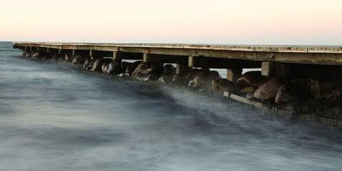 Bild mit Wasser, Strände, Urlaub, Strand, Ostsee, Meer, Steg, Holzsteg, See, Retro, Ostseebilder, VINTAGE, Ostseestrände, Stege, Pier, holzstege
