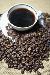 Kaffeebohnen Kaffeetasse