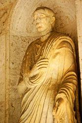 Bild mit Denkmäler und Statuen