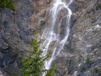 Gebirgs-Wasserfall