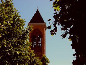 Kirchturm mit Glockenwerk