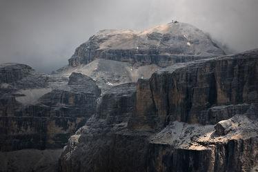 Bild mit Natur,Berge,Bäume,Wälder,Felsen,Wald,Felswand,Landschaften & Stimmungen,berg,Gebirge,Gestein,Fels