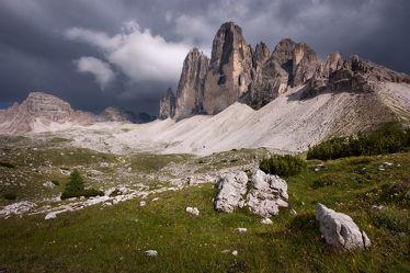 Bild mit Natur,Berge,Bäume,Wälder,Felsen,Wald,Landschaften & Stimmungen,berg,Gebirge,Gestein,Fels