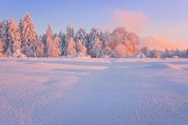 Bild mit Winter, Schnee, Eis, Sonnenuntergang, Sonnenaufgang, winterlandschaft, Landschaften im Winter, Landschaften im Winter, Kälte, Frost