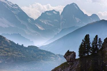 Bild mit Natur,Berge,Bäume,Wälder,Felsen,Wald,Landschaften & Stimmungen,berg,Gebirge,Gestein,Fels,Felsbrocken