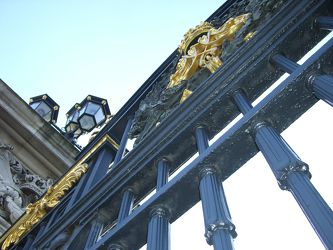 Bild mit Architektur,Gebäude,Städte,London,Sehenswürdigkeit,Stadt,City,Sehenswürdigkeiten,Tourismus,Stadtleben,Londoner Stadtleben,Buckingham Palace