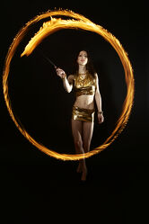 Feuer Lady Akrobatik