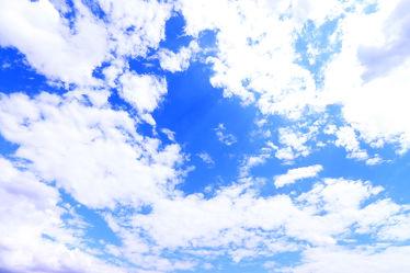 Bild mit Wolken, Wolkenhimmel, Wolkengebilde, Sky, cloud, clouds, Wolkenstruktur, Wolkenblick