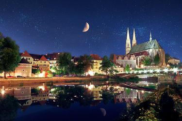 Bild mit Architektur, Bauwerke, Brücken, Landschaft, Görlitz, Brücke, Peterskirche, landscape, Oberlausitz, Altstadtbrücke, Neise, Langzeitbelichtung, bridge, Fluß, Sachsen