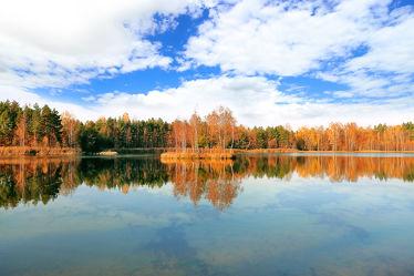 Bild mit Natur, Wasser, Wolken, Gewässer, Wolkenhimmel, Landschaft, Insel, Seeblick, See, Spiegelungen, Sachsen, Inselsee, Insel See