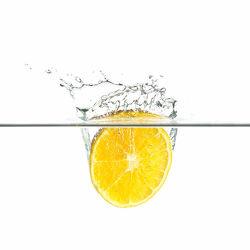 Bild mit Orange, Wasser, Makro, Wassertropfen, Waterdrop, Tropfen, Küchenbilder, Splash, drop, Watersplash