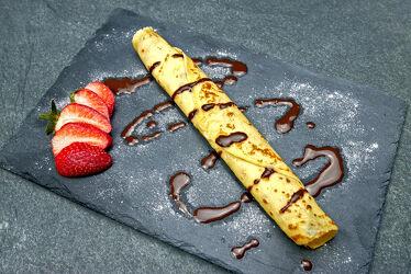 Bild mit Erdbeere, Küchenbild, Küchenbilder, Küche, Nachtisch, Dessert, crepe, crepes, pfannkuchen
