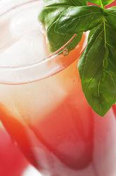 Frischer Cocktail aus gesunden Früchten