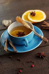 Frischer Tee aus Kräutern und Gewürzen