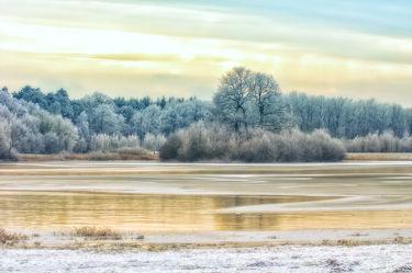 Bild mit Natur, Landschaften, Nadelbäume, Winter, Schnee, Gewässer, Seen, Landschaft, See, Weihnachten, winterlandschaft, Winterlandschaften, Kälte, Frost, winterwunder