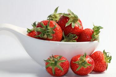 Bild mit Früchte, Lebensmittel, Beeren, Frucht, Obst, Erdbeere, Erdbeeren, Küchenbild, Stillleben, Küchenbilder, KITCHEN, Küche, Kochbild, Beere