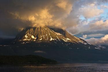 Berg in Wolken in Norwegen 2