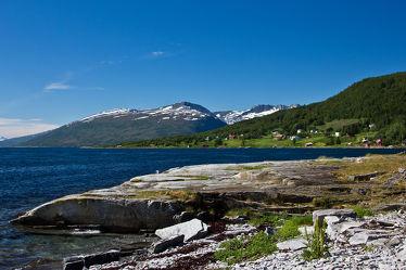 Küste auf Kvaløya, Norwegen