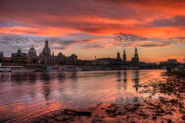 Bild mit Sonnenuntergang,Gebäude,Städte,Sonnenaufgang,Häuser,Brücken,Stadt,Dresden,Brücke,City,Skyline,Fluss,Elbe,Barock