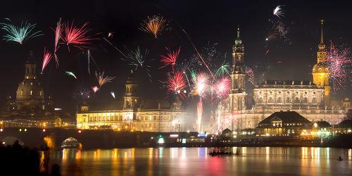 Bild mit Gebäude,Städte,Häuser,Brücken,Stadt,Dresden,Brücke,City,Skyline,Fluss,Elbe,Barock,silvester