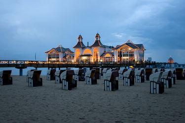 Bild mit Strandkörbe, Ostsee, Meer, Strandkorb, Seebrücke, Abend am Meer, Nachtaufnahmen, Nacht, Abend, seebrücken, sellin