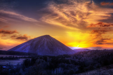 Bild mit Natur, Landschaften, Berge, Hügel, Sonnenuntergang, Sonnenaufgang, Landschaft, Sonnenschein, Mansfeld Südharz, berg, Sonnenstrahlen